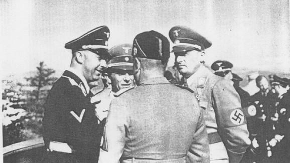 Mussolini, SS-chef Heinrich Himmler, propagandaminister Joseph Goebbels og Hans Frank nazihygger i 1941.