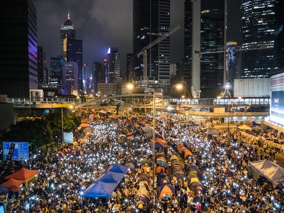 Paraplybevægelsen i Hongkong tiltrak sig stor international opmærksomhed i efteråret 2014, da titusinder af mennesker gik på barrikaderne i kampen for frie, folkelige valg. Foto: Studio Incendo via Flickr