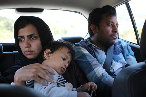 Flygtningefamilie på Lesbos. Foto: Anton Willemann